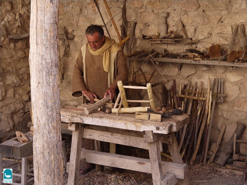Freebibleimages Occupations In Bible Times Carpenters