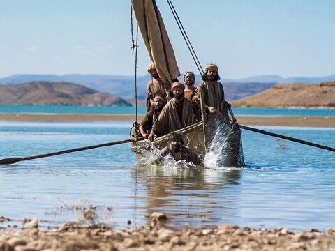 John said to Peter, 'It is the Lord!' Immediately, Simon Peter wrapped his outer garment around himself, jumped into the water and swam ashore. – Slide 8