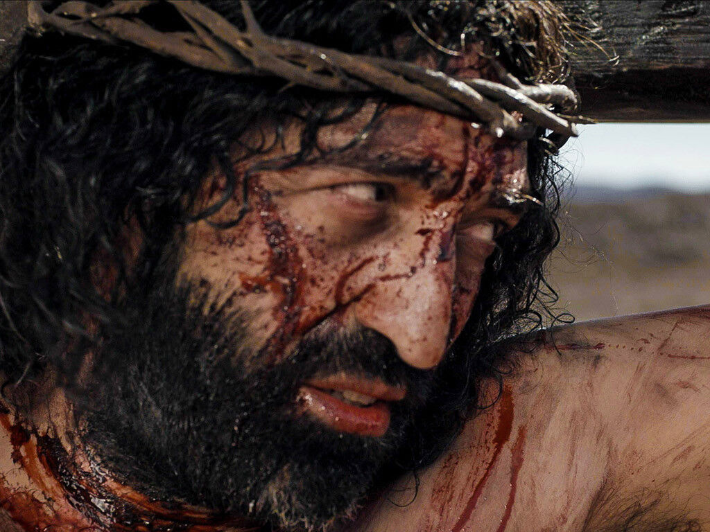 FreeBibleimages :: Jesus suffers and dies on the cross for ...
