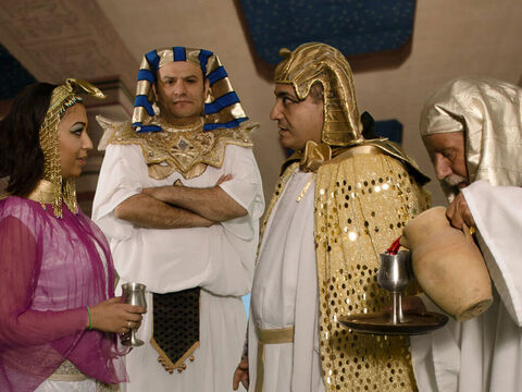 This man was trusted to make sure no one could poison the drinks he served to Pharaoh. – Slide 6