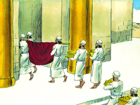 The elders and a vast number of people were assembled at a holiday feast to watch as the Ark of the Covenant was brought into the temple. – Slide 10